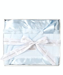 Wrap your baby in luxury with this chic faux fur baby blanket. Exceptionally cozy, the perfect gift for any new baby!