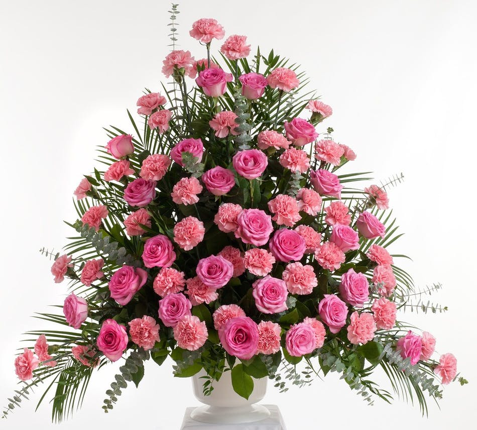 Pink Rose And Carnation Fan Shape Design Stadium Flowers