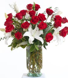 Classic Red and White - Vase Design